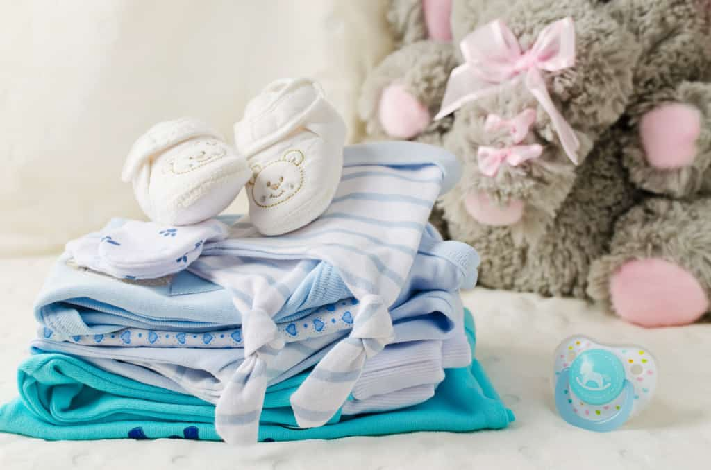 Grundausstattung Babybekleidung
