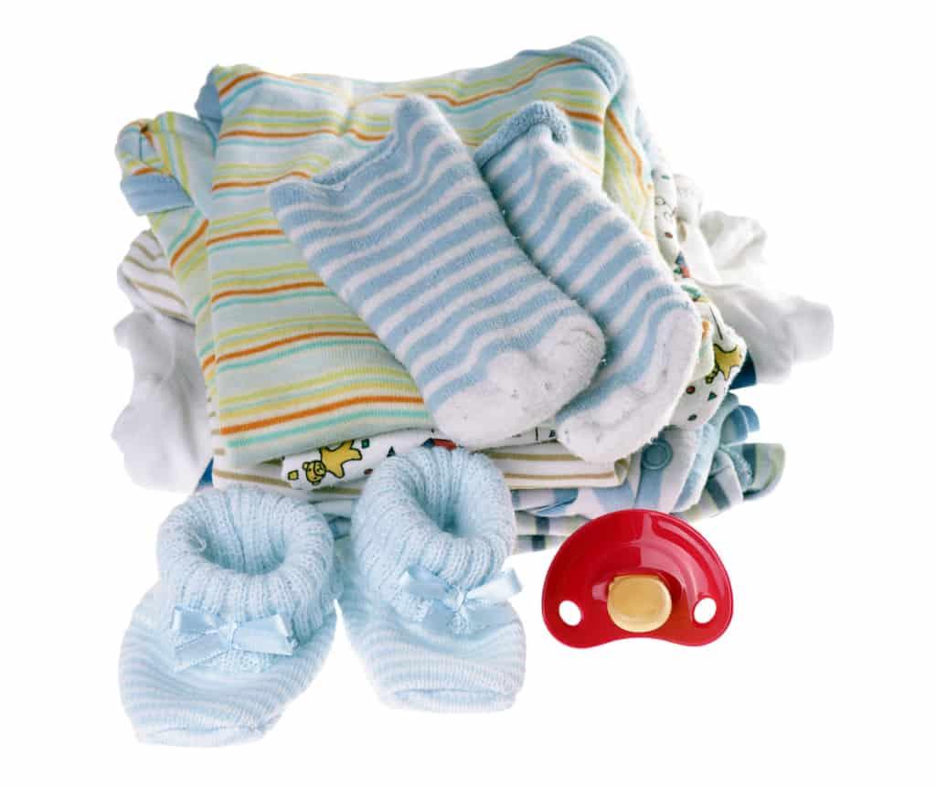 Babysachen und Schnuller